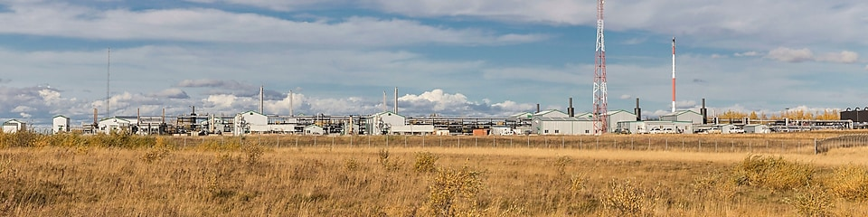 Montney gas plant in the daytime.