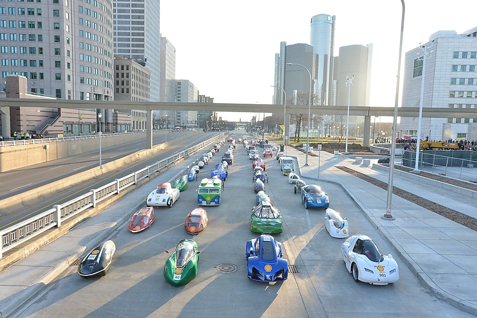 2015 Shell Eco-marathon cars line Jefferson Avenue in Detroit.