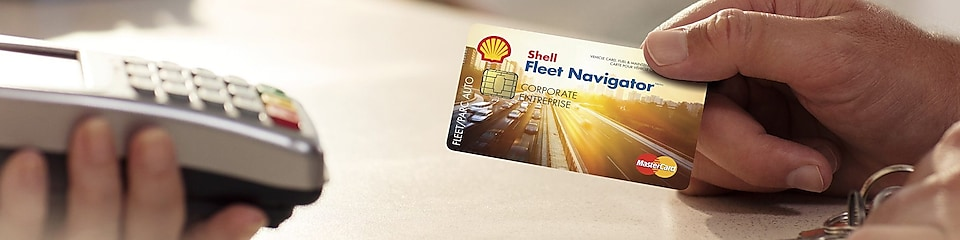 Man swiping Shell fleet navigator card